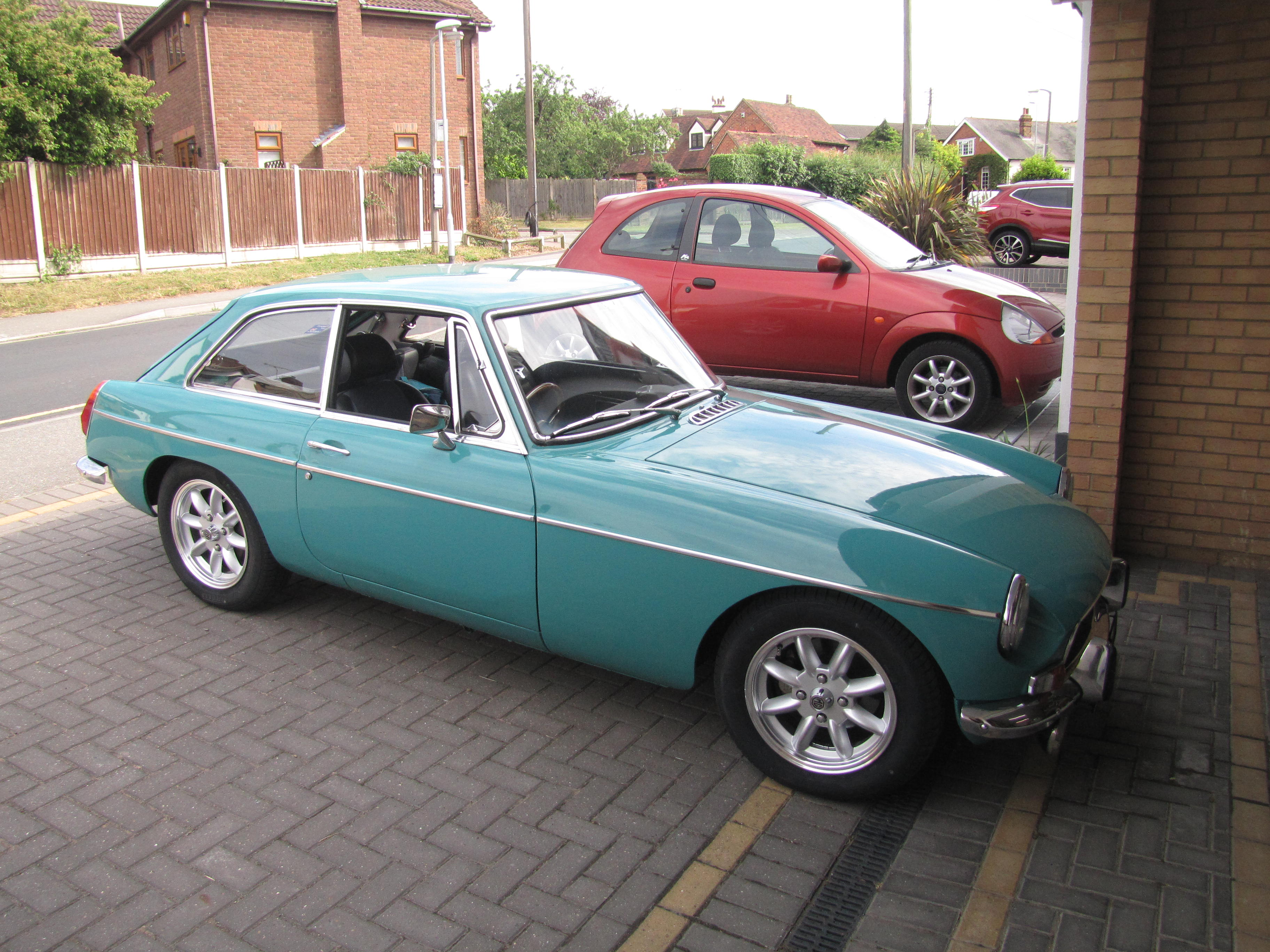 mgb gt new wheels the mg owners 39 club. Black Bedroom Furniture Sets. Home Design Ideas