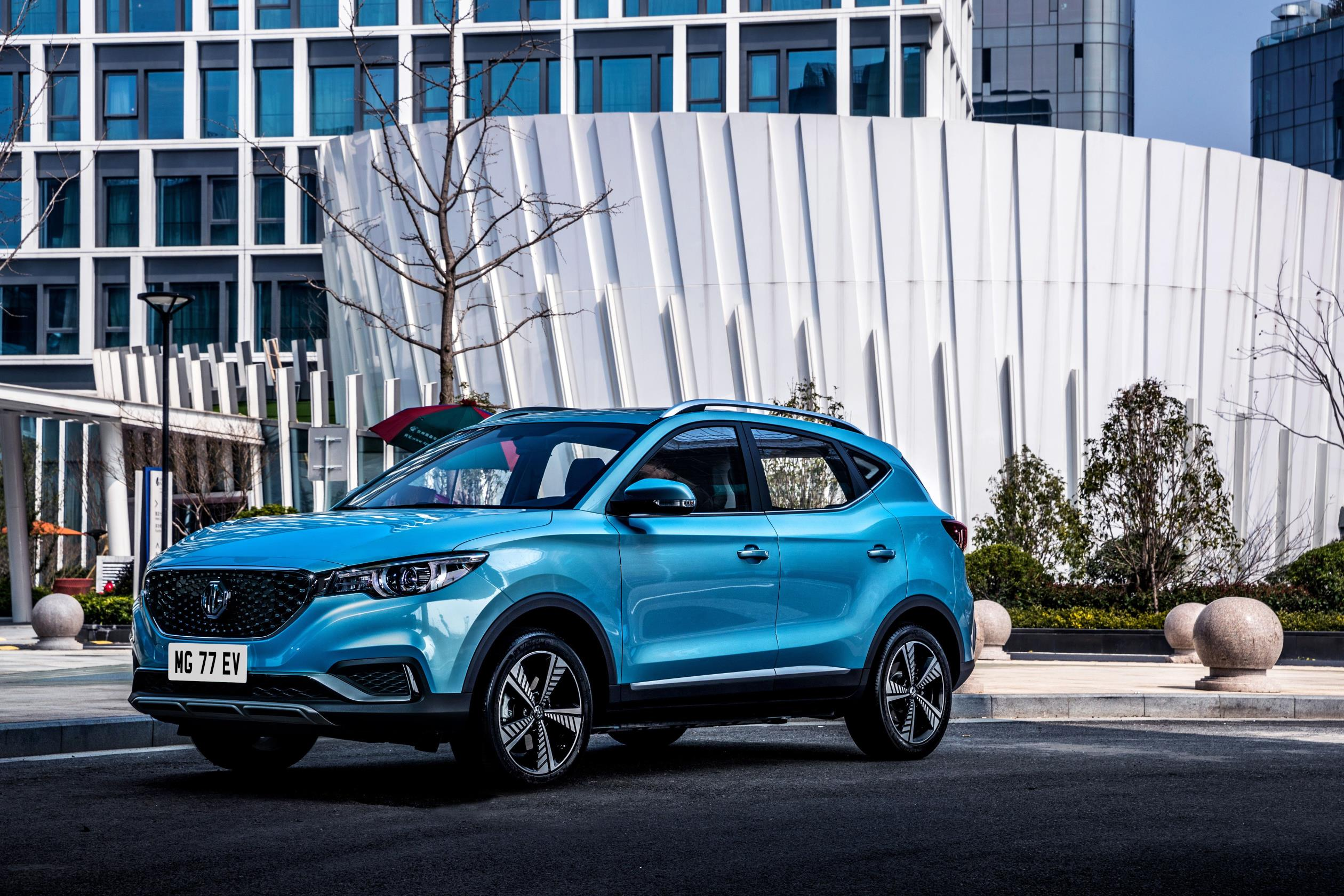MG Hector Plus - Specifications, Features, Price, Competitors