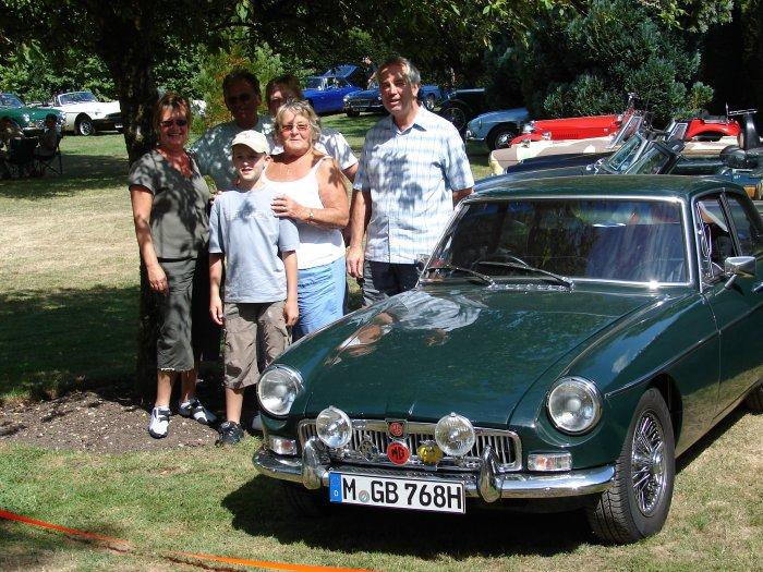 """Emma"" reunited with her first owner's family at the 1020 Bournemouth & Poole Athelhampton House Gathering 2006 (36 yrs after having been sold)"