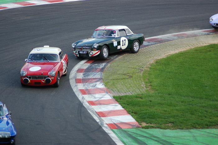Six Hour endurance race - Chris Wood and Alec Poole fighting it out !!