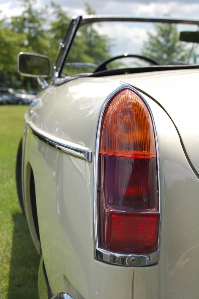 B's butt.... more of my MG pics are to be found at:http://good-times.webshots.com/album/560594100ljOicrand onwards.