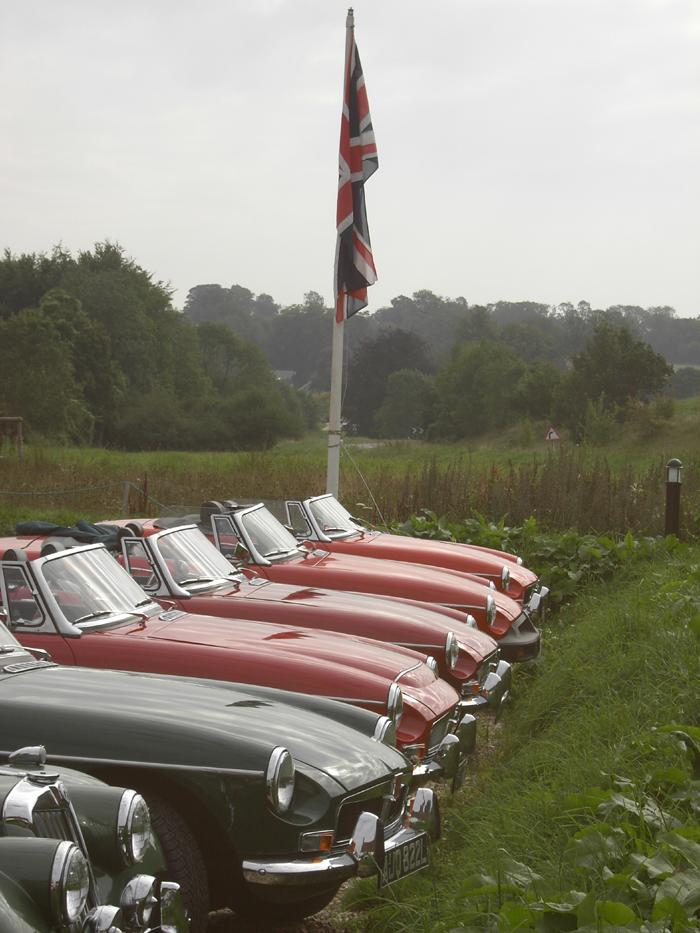 My and other MGs lined up at a stop off on South Downs run 2007