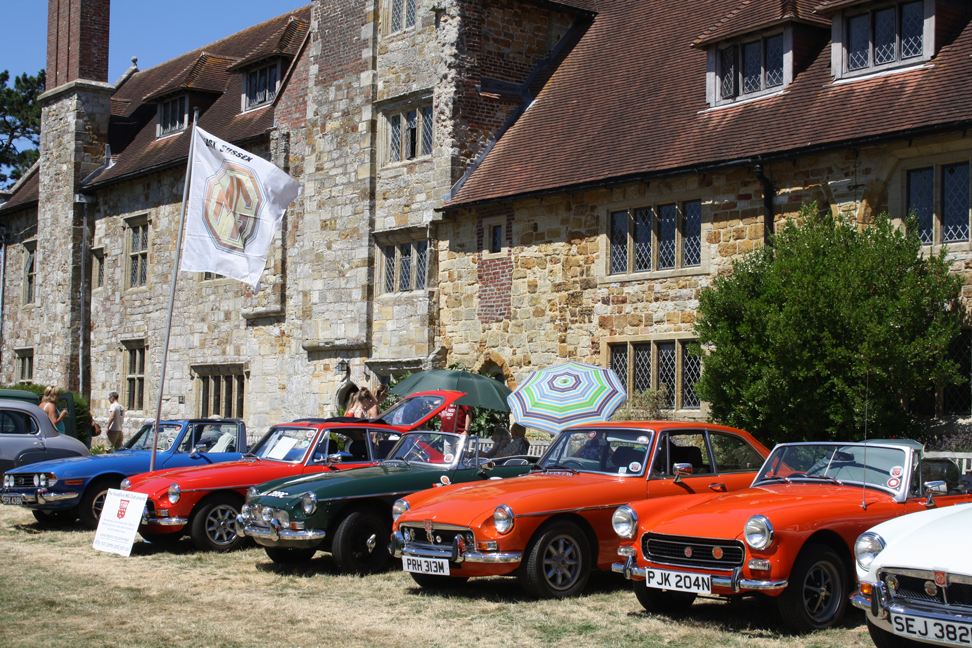 A glorious day out at Michelham Priory classic car show